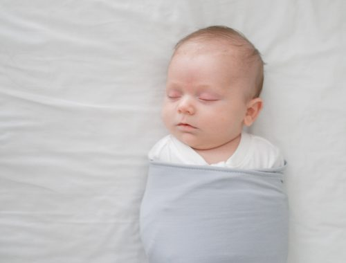 Favorite Swaddle: The Ollie World - www.arinsolangeathome.com