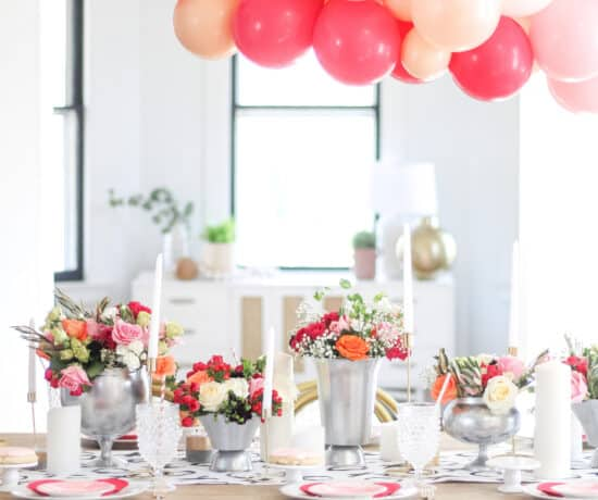 floral tablescape with balloons over