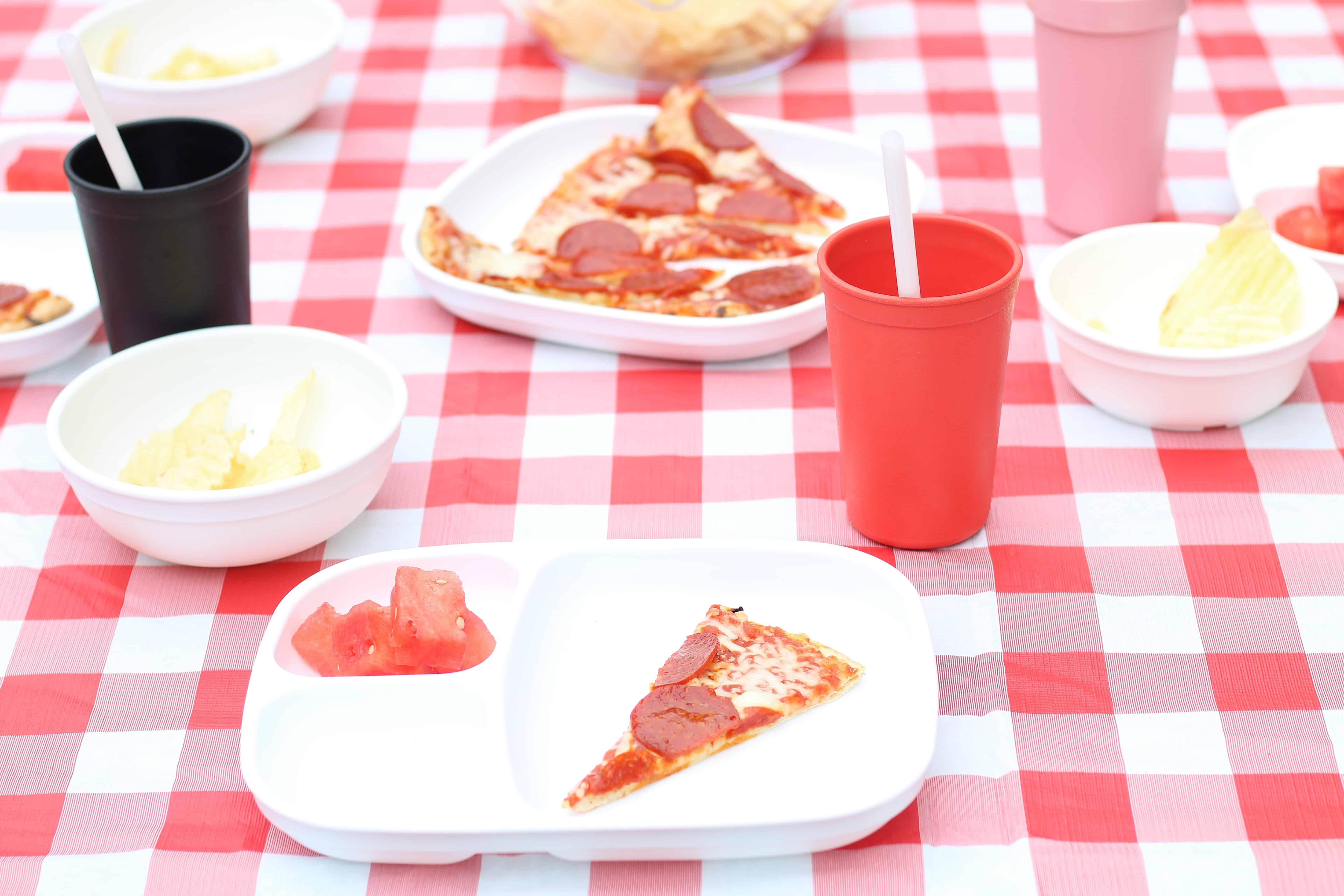 pizza party table