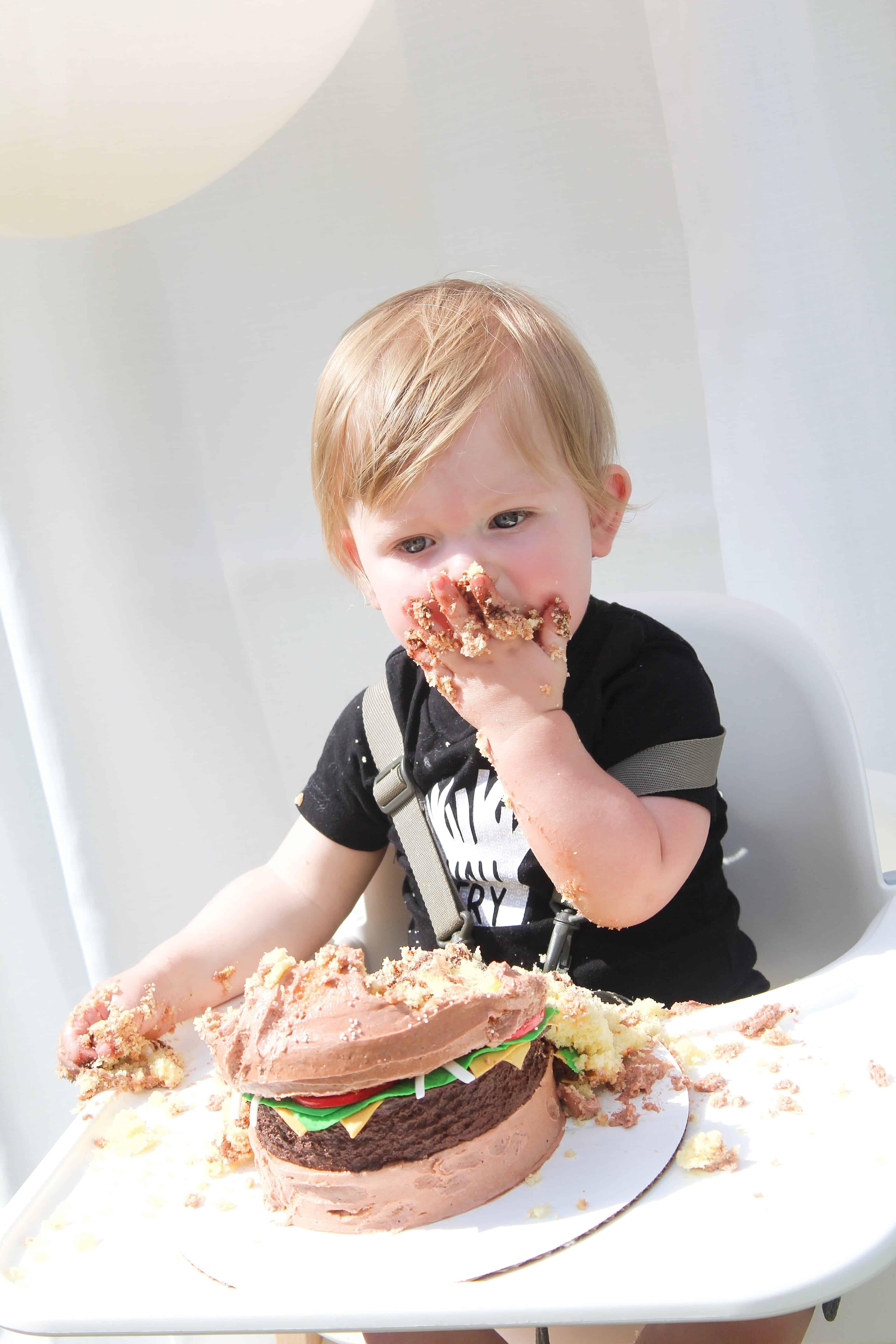 Burger cake cake smash