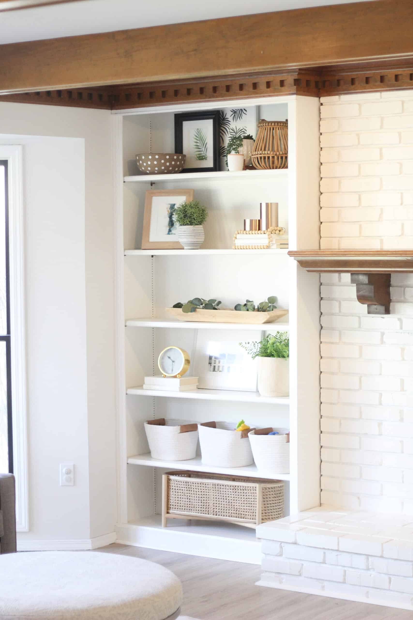 neutral built-in shelving decor