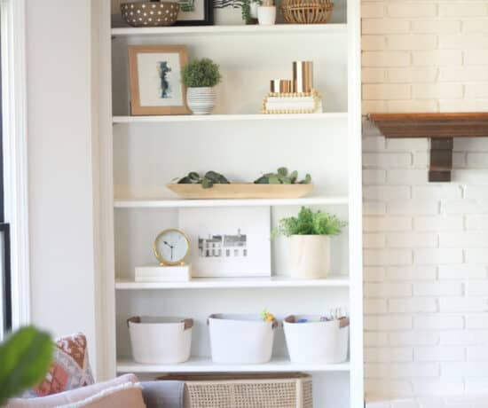 How to decorate shelving