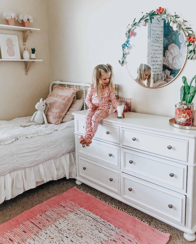 Boho toddler girl room