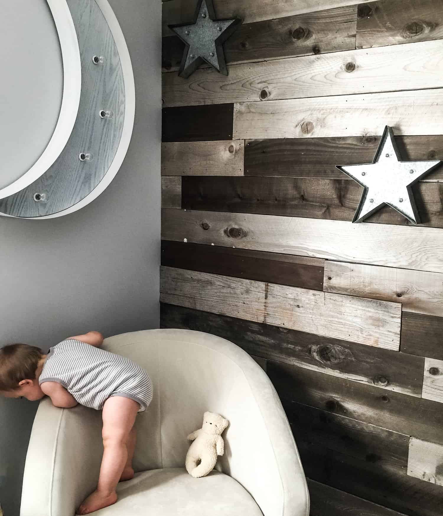 DIY wood Plank Wall in Nursery