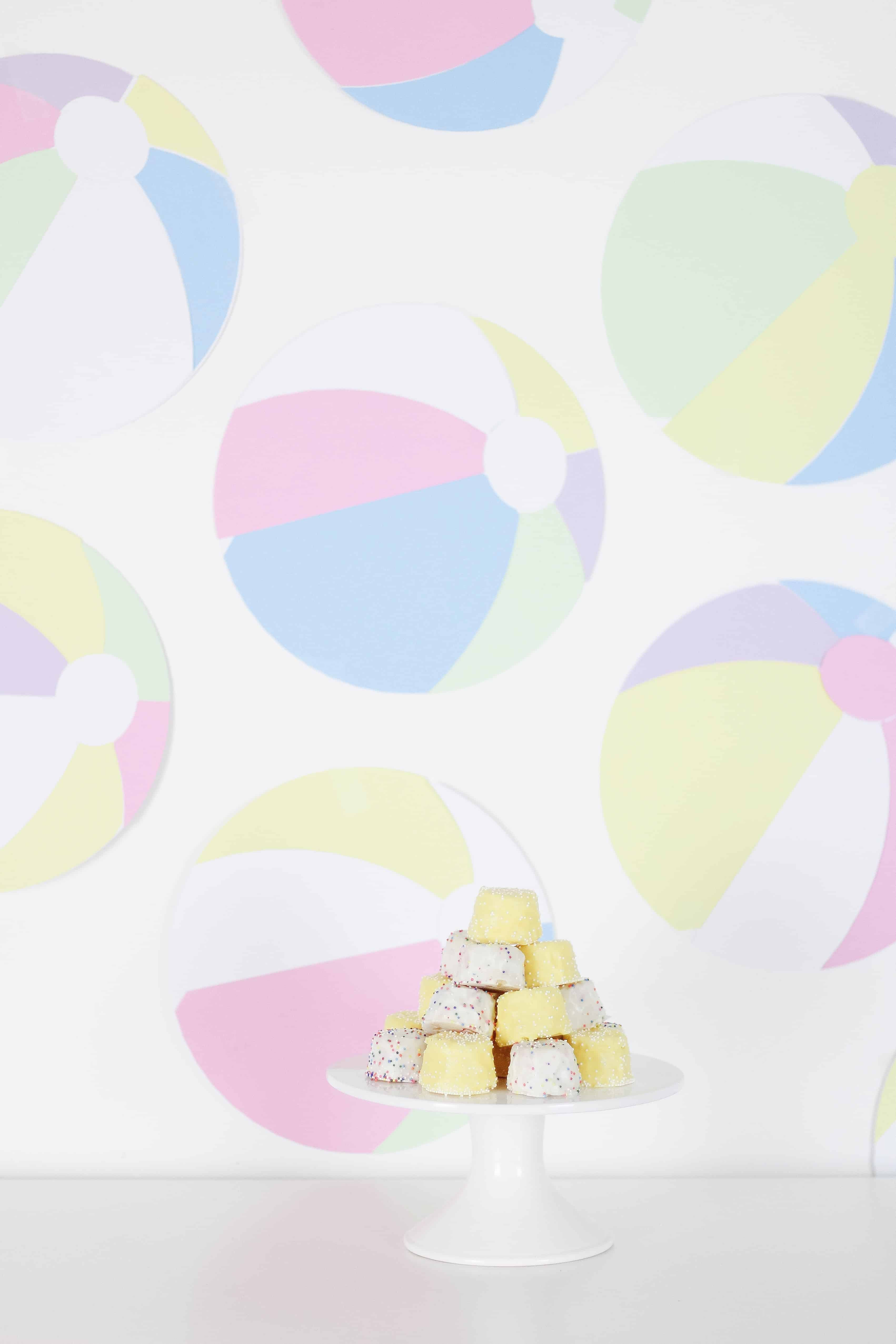 Beach Ball Wall with cake