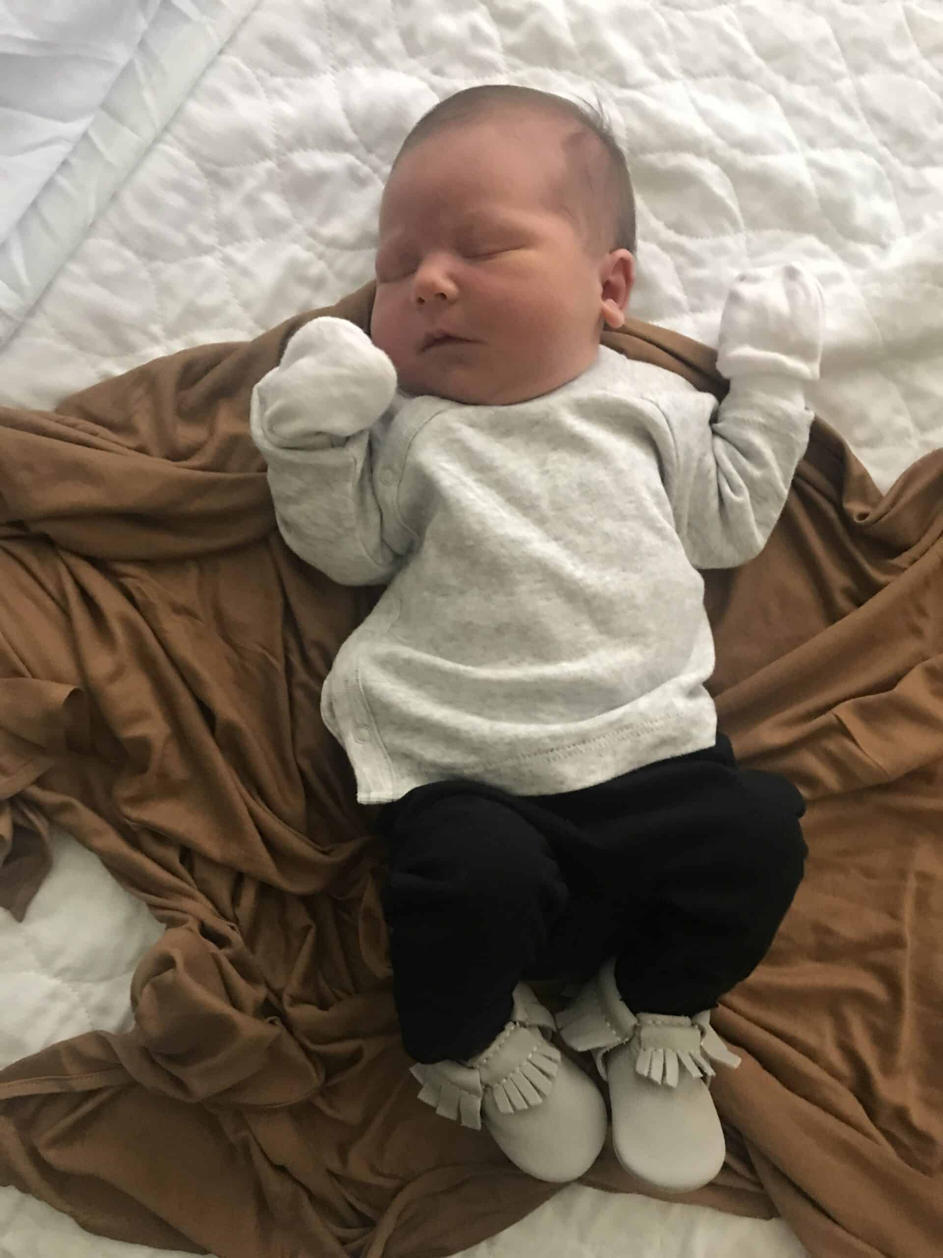 baby boy dressed to leave hospital