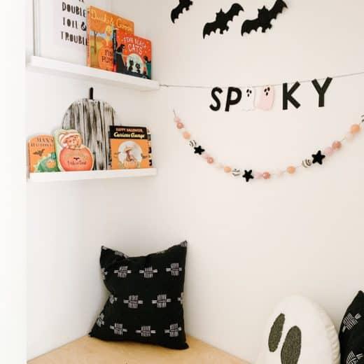 Halloween Book Nook with best toddler halloween books