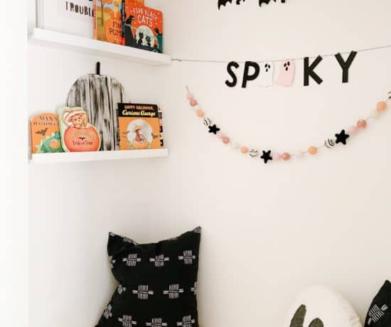 Halloween Book Nook with best toddler halloween books