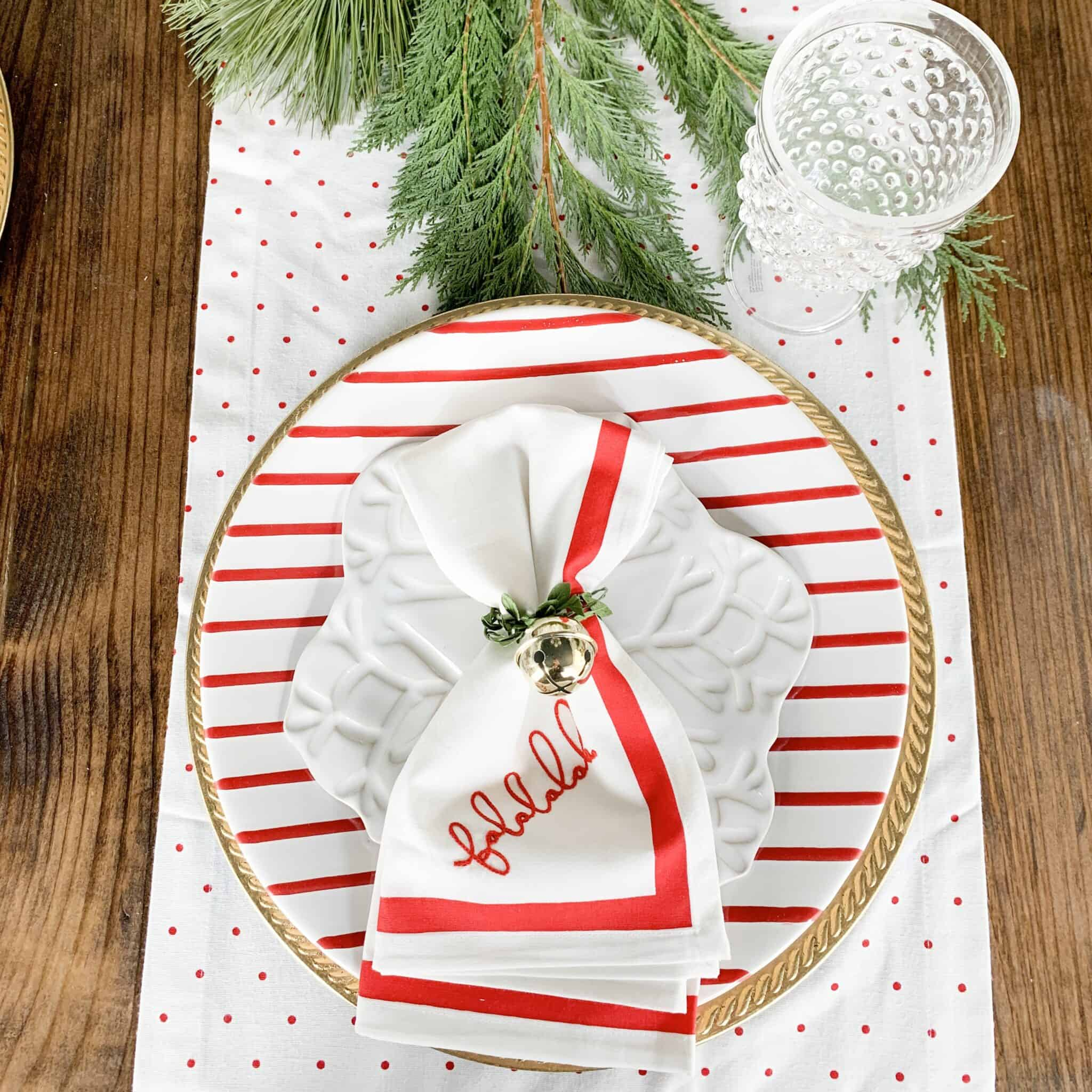 Christmas Dining Room Table Decor