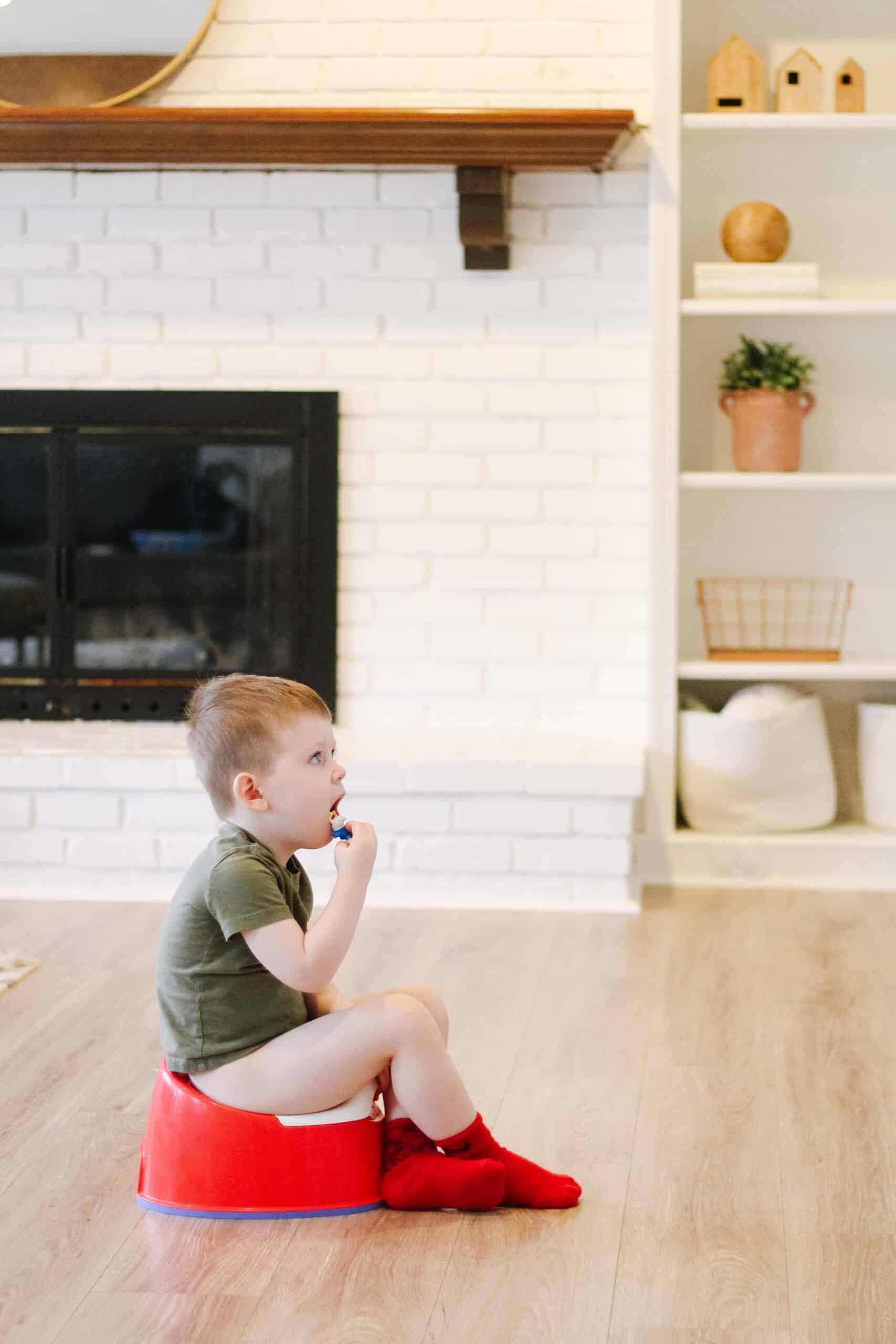 potty training boys - little boy on potty