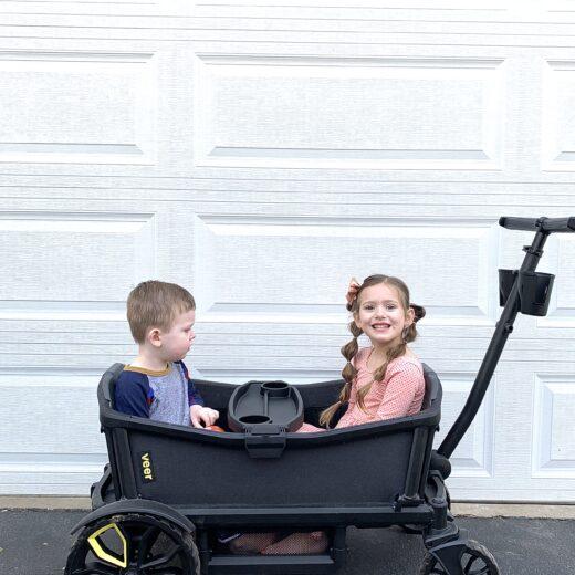 2 kids in Veer Wagon