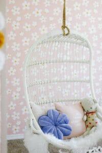 Daisy Wallpaper room