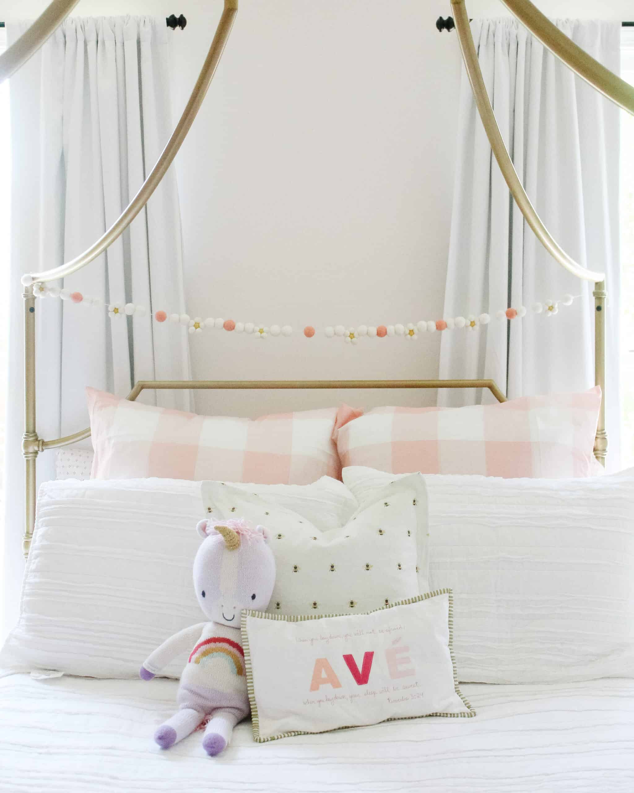 Little girls pink room