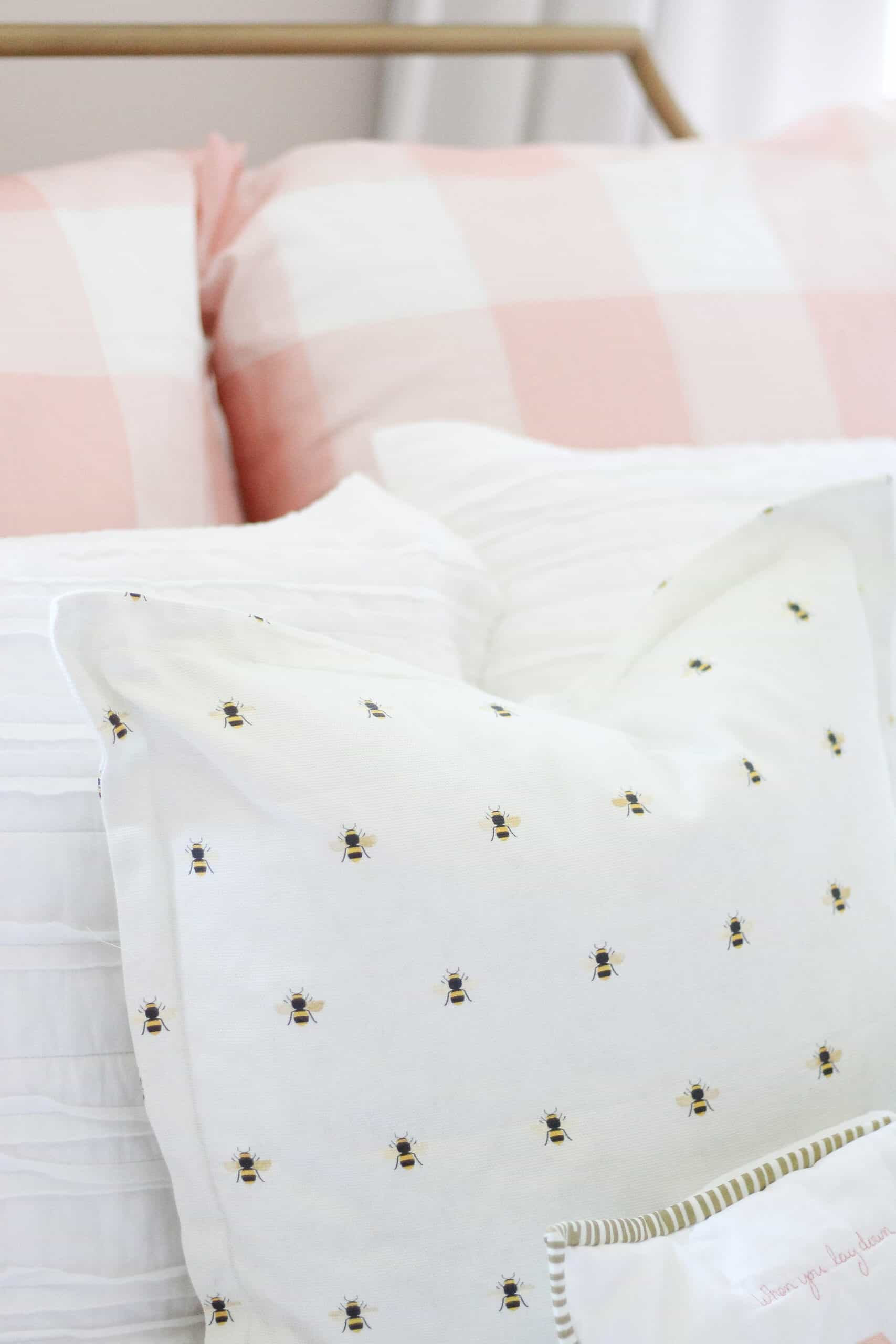 Bumblebee pillow in kids room