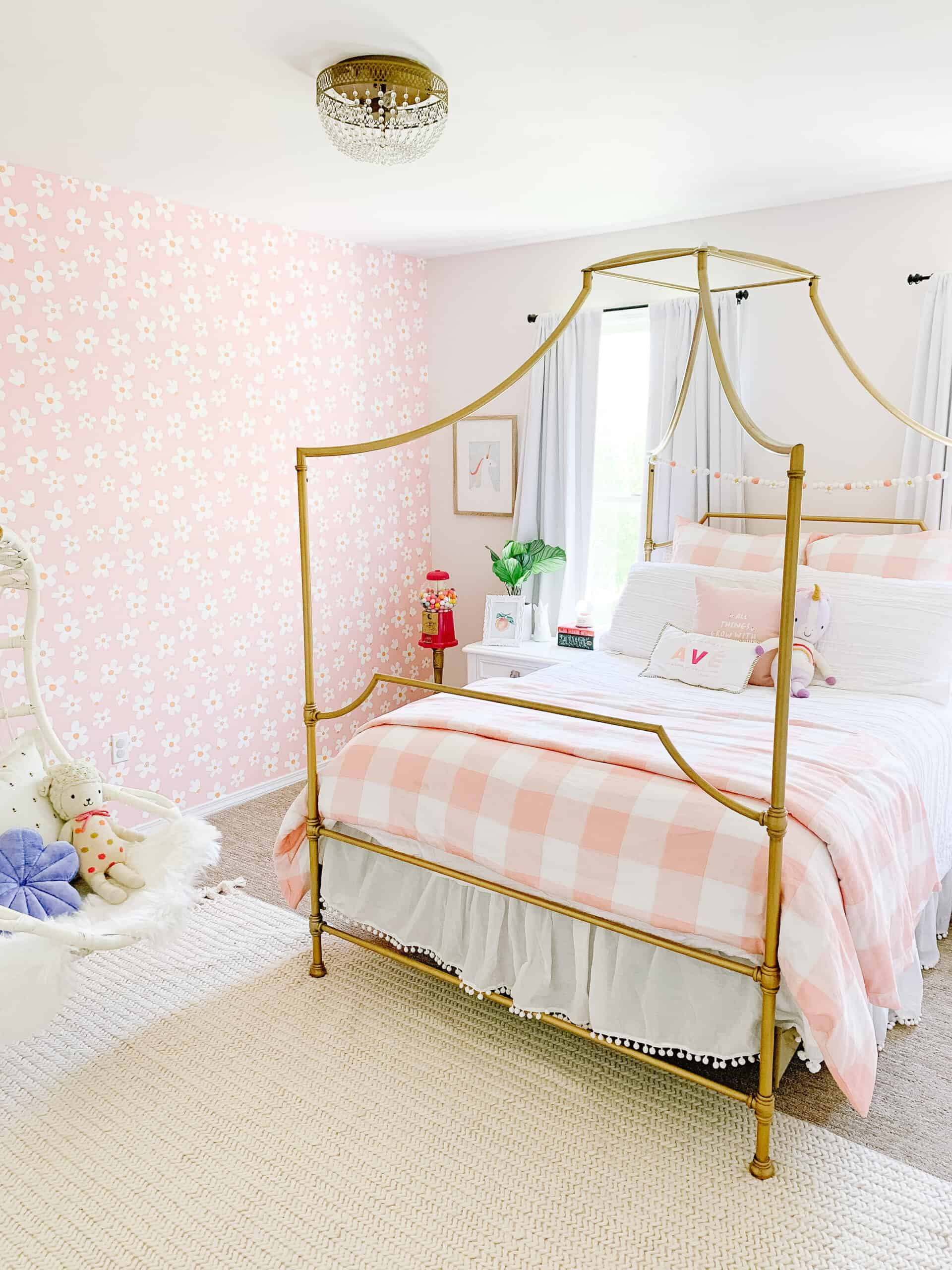 girls room with Daisy Wallpaper