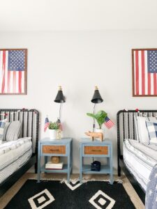 boys room with patriotic touches