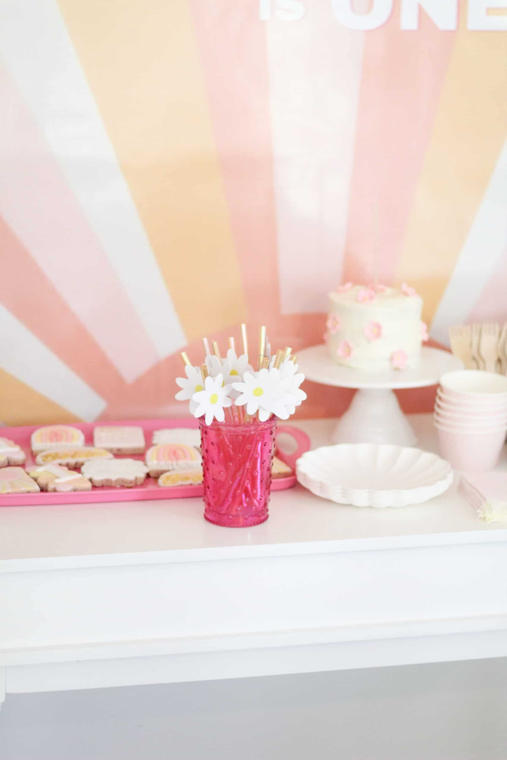 Happy birthday sunshine party table