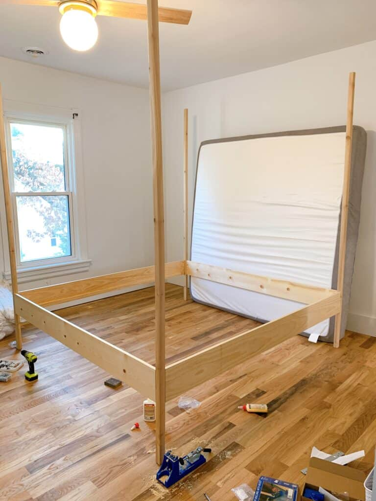 king sized canopy bed DIY