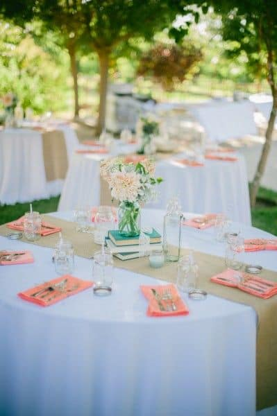 burlap table runner on wedding table