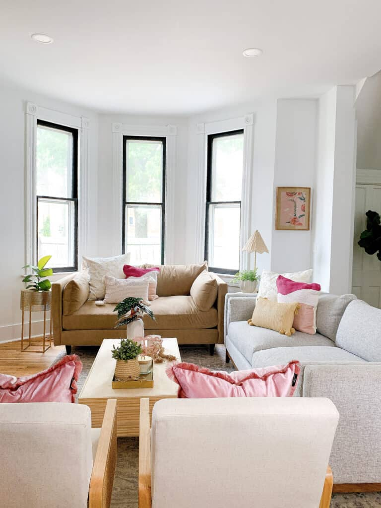pink and neutral living room