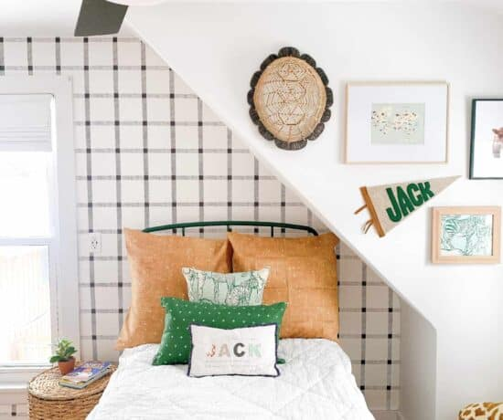 boys room with ceiling fan for bedroom