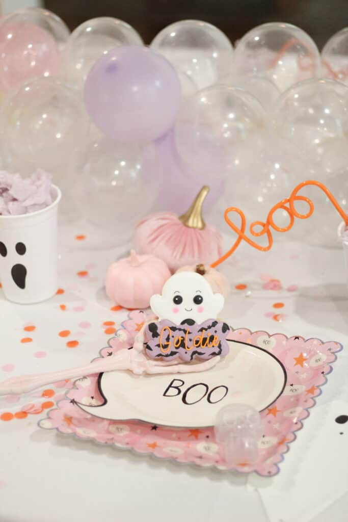 Kids Halloween party table setting